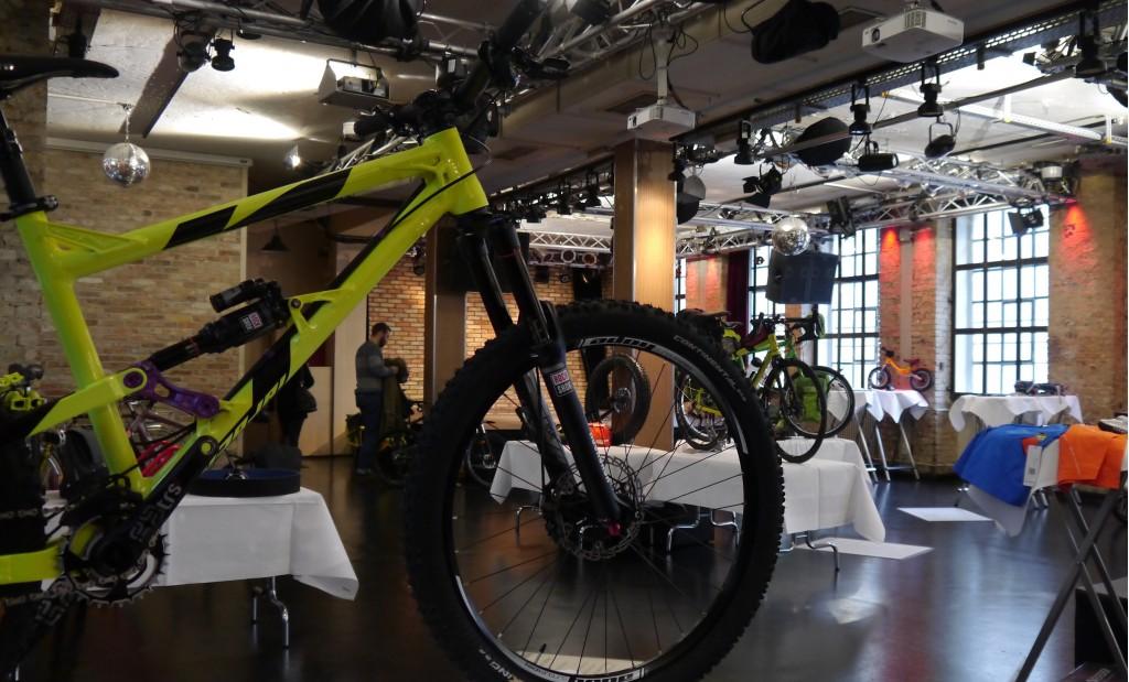 Pressedienst-Fahrrad-Kalkscheune-Saal